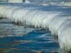 Ледяная Волна. Фотография застывшего берега Владивостока. Автор - Компанец Д.А.