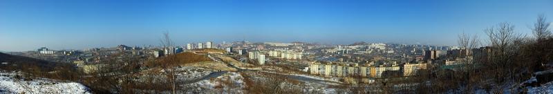 Вид с мыса Чуркин на Владивосток.
