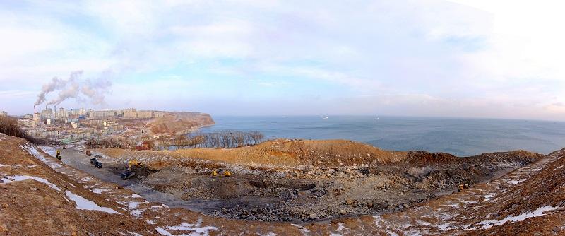 """Фото панорма Владивостока - """"Строительство федеральной трассы в районе Бухты Тихая"""""""